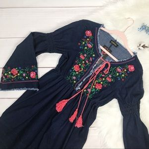 NWT Embroidered Denim Bell Sleeve Dress Size Small